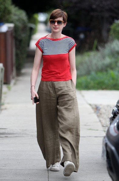 Anne Hathaway Clothes
