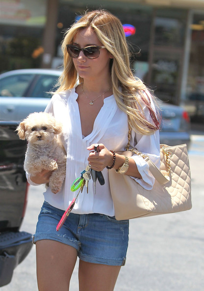 More Pics of Ashley Tisdale Silver Chain (1 of 13) - Ashley Tisdale Lookbook - StyleBistro []