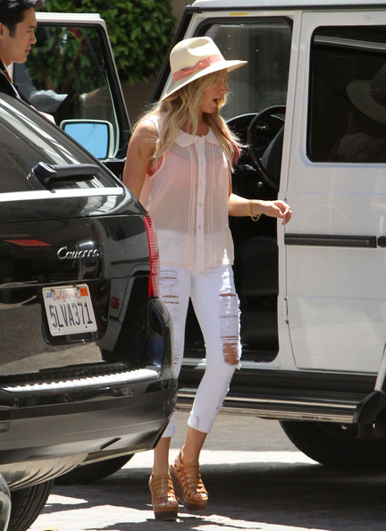 More Pics of Ashley Tisdale Fedora (1 of 22) - Ashley Tisdale Lookbook - StyleBistro