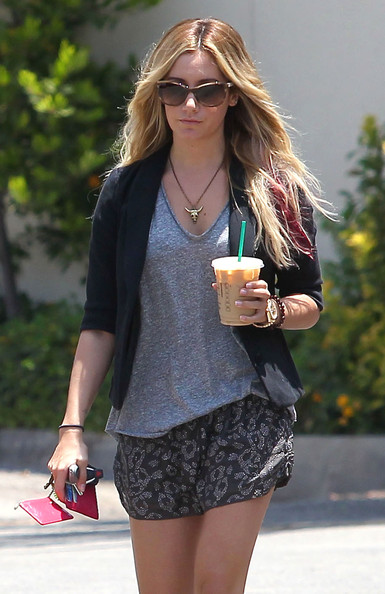 Ashley Tisdale Skull Pendant Necklace