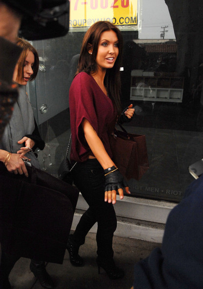 More Pics of Audrina Patridge Fingerless Gloves (1 of 6) - Audrina Patridge Lookbook - StyleBistro