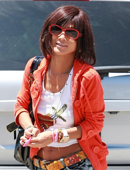 http://www3.pictures.stylebistro.com/fp/Bai+Ling+Novelty+Sunglasses+Neon+Sunglasses+NVxWf52hIyul.jpg