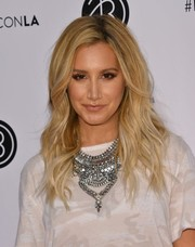 Ashley Tisdale topped off her look with gorgeous blonde waves when she attended Beautycon LA 2016.