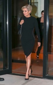 Yolanda Foster was spotted out in New York City wearing a figure-hugging LBD.