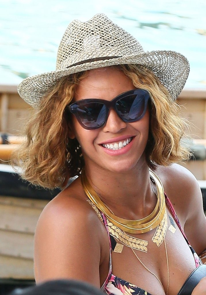 09f9f8a6980 More Pics of Beyonce Knowles Straw Hat (10 of 44) - Hats Lookbook -  StyleBistro