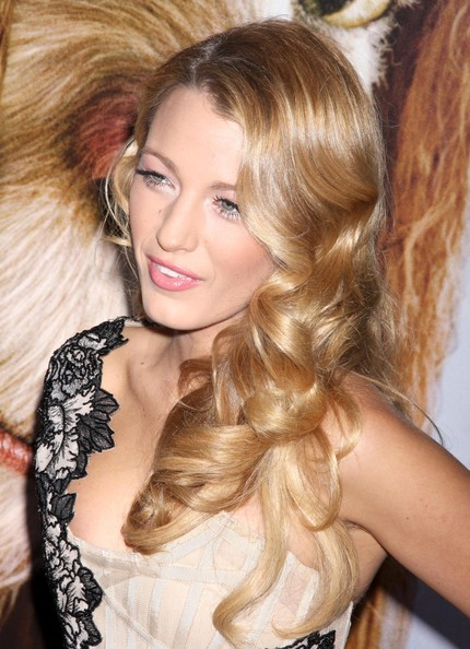Long Curls With Bangs, Long Hairstyle 2011, Hairstyle 2011, New Long Hairstyle 2011, Celebrity Long Hairstyles 2031
