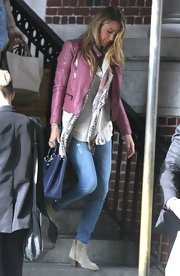 Blake stuck to basic skinny jeans for her casual daytime look while out in NYC.
