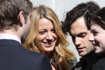 Blake Lively Penn Badgley 'Gossip Girl' Films Scenes In NYC
