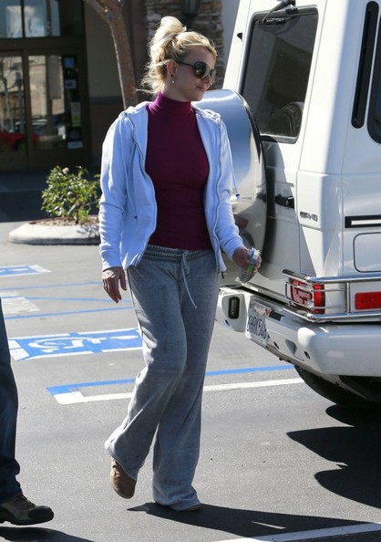 Britney Spears Grocery Shopping At Albertson's