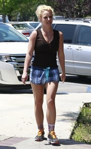 Britney hit the gym sporting a pair of plaid boxer shorts.