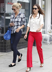 Brooklyn Decker showed her casual style in this plaid button-down and skinny jeans while out with a friend.