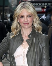 Sarah Michelle Gellar looked darling with her face-framing waves during her appearance on 'Good Morning America.'