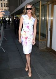Rebecca Romijn was svelte and elegant in a watercolor-print sheath dress while visiting 'The Today Show.'
