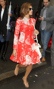 Eva Mendes was blooming with style for her visit to the 'Today' show.