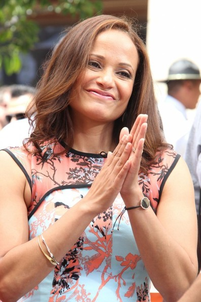 More Pics of Judy Reyes Medium Layered Cut (4 of 20) - Shoulder Length Hairstyles Lookbook - StyleBistro