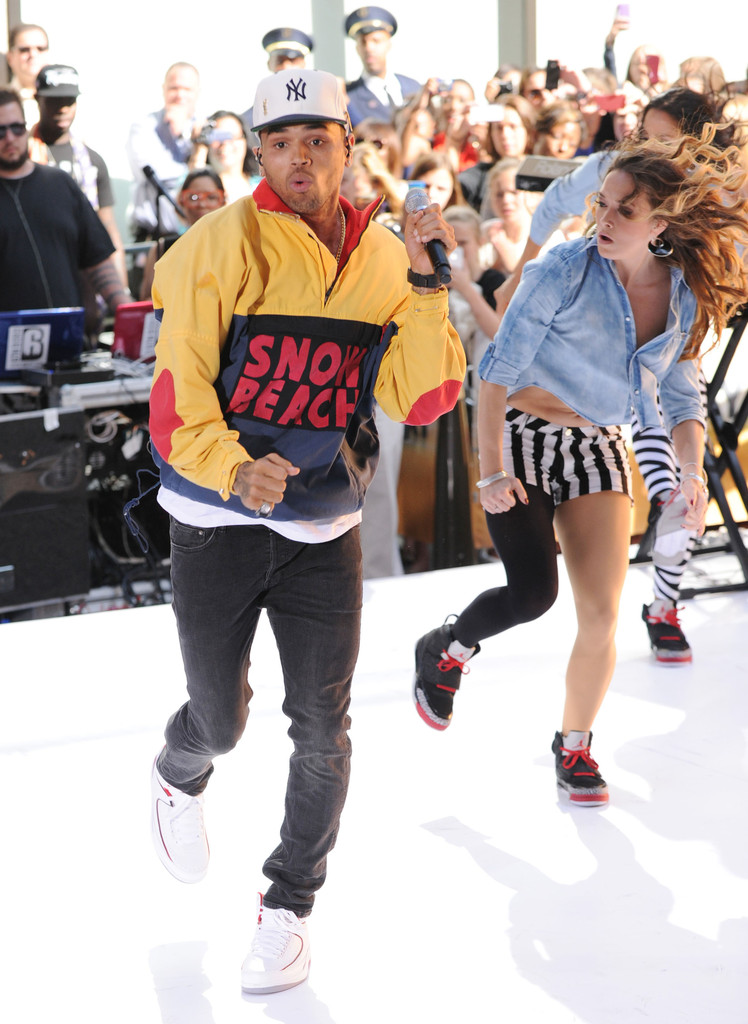 Chris Brown - Shoes (In My Zone) - YouTube