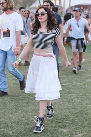 Rose McGowan finished off her outfit in ultra-girly style with a tiered white peasant skirt.
