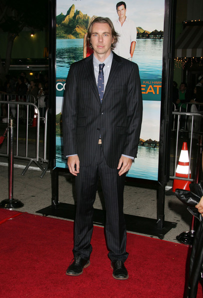 Dax Shepard went to the premiere of 'Couples Retreat' wearing a black pinstripe suit.