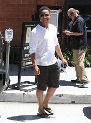 Cuba Gooding Jr. rocked this pure white Henley for an easy going vibe.