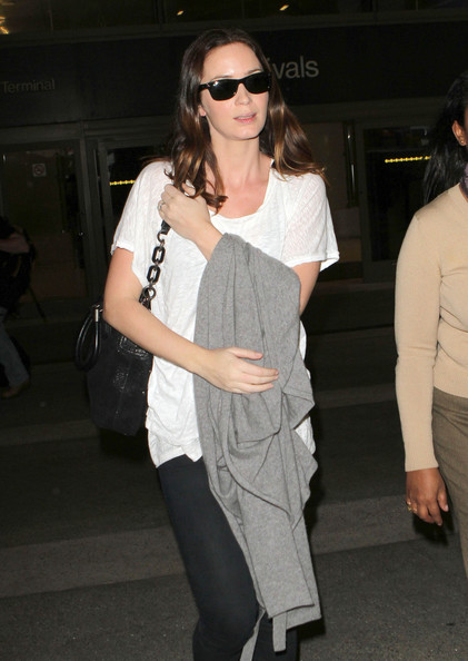 More Pics of Emily Blunt Wayfarer Sunglasses (1 of 11) - Emily Blunt Lookbook - StyleBistro