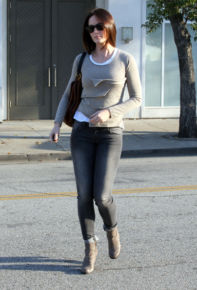 More Pics of Emily Blunt Wedge Boots (1 of 13) - Emily Blunt Lookbook - StyleBistro