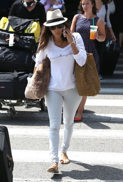 Extrem Eva Longoria in basic white. - The Best Celebrity Airport Style  UI04