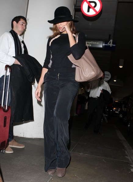More Pics of Eva Mendes Wide Leg Pants (1 of 8) - Eva Mendes Lookbook - StyleBistro
