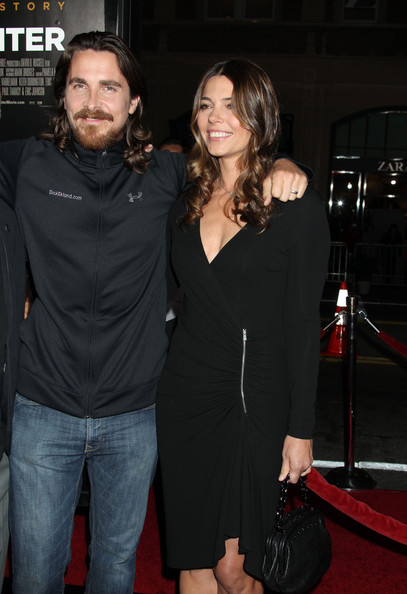 Sibi Blazic showed a bit of cleavage in a low-cut zippered LBD at the LA premiere of 'The Fighter.'