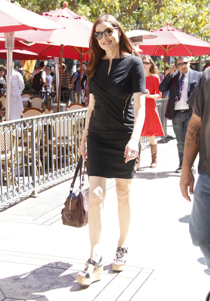 More Pics of Geena Davis Little Black Dress (2 of 12) - Geena Davis Lookbook - StyleBistro