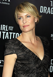 Robin Wright Penn wore her adorable layered cut slightly tousled at the NYC premiere of 'The Girl With the Dragon Tattoo.'