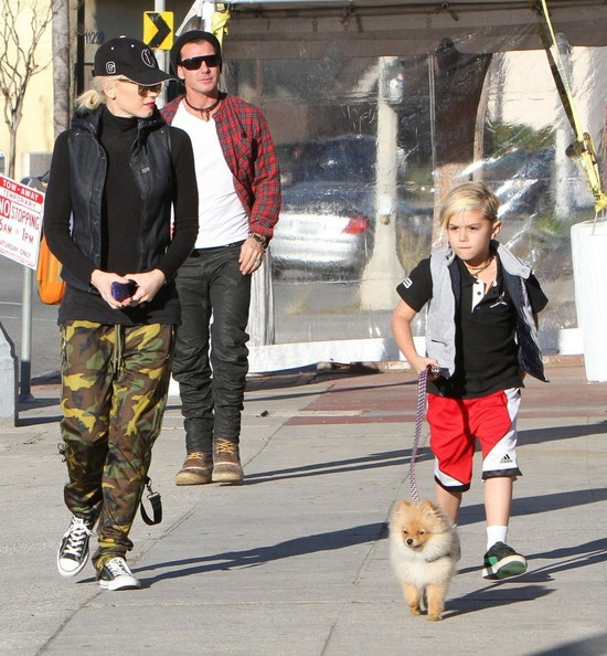 More Pics of Gwen Stefani Cargo Pants (4 of 68) - Pants & Shorts Lookbook - StyleBistro