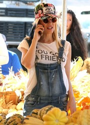 Gwen Stefani visited Underwood Family Farms hiding behind a pair of round sunglasses.