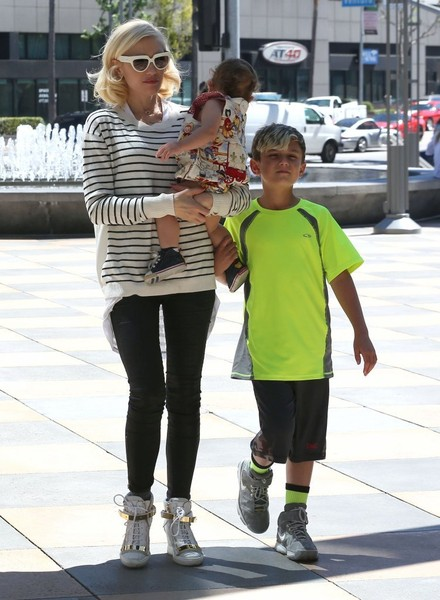 Gwen Stefani Takes Her Family Out For Lunch