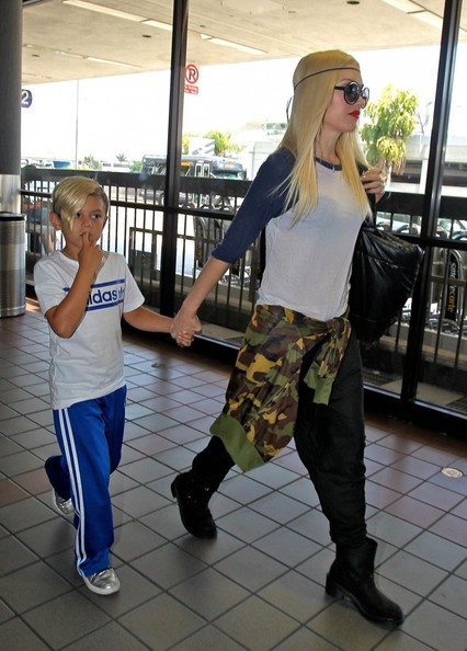 More Pics of Gwen Stefani T-Shirt (1 of 16) - T-Shirt Lookbook - StyleBistro