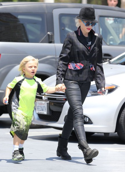 More Pics of Gwen Stefani Blazer (1 of 29) - Blazer Lookbook - StyleBistro