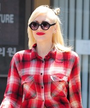 Gwen Stefani looked a little quirky in her round sunnies while visiting her acupuncturist.
