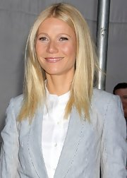 A subtle pink lip gloss topped off Gwyneth Paltrow's dewy beauty look.