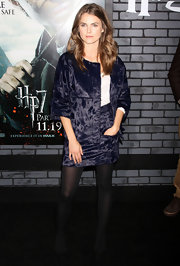 Keri wears a crushed velvet evening jacket with a matching skirt for the 'Harry Potter' premiere.