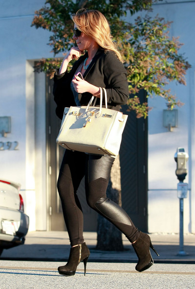 More Pics of Haylie Duff Leather Tote (1 of 9) - Haylie Duff Lookbook - StyleBistro