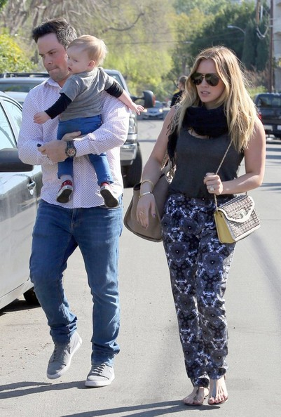 More Pics of Hilary Duff Studded Shoulder Bag (4 of 42) - Studded Shoulder Bag Lookbook - StyleBistro