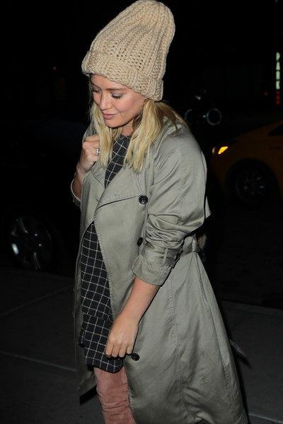 More Pics of Hilary Duff Over the Knee Boots (1 of 7) - Hilary Duff Lookbook - StyleBistro