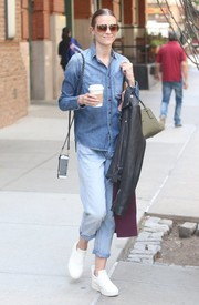 Jaime King worked the denim-on-denim look with this jeans/button-down combo.