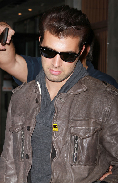 More Pics of Jencarlos Canela Wayfarer Sunglasses (1 of 12) - Jencarlos Canela Lookbook - StyleBistro