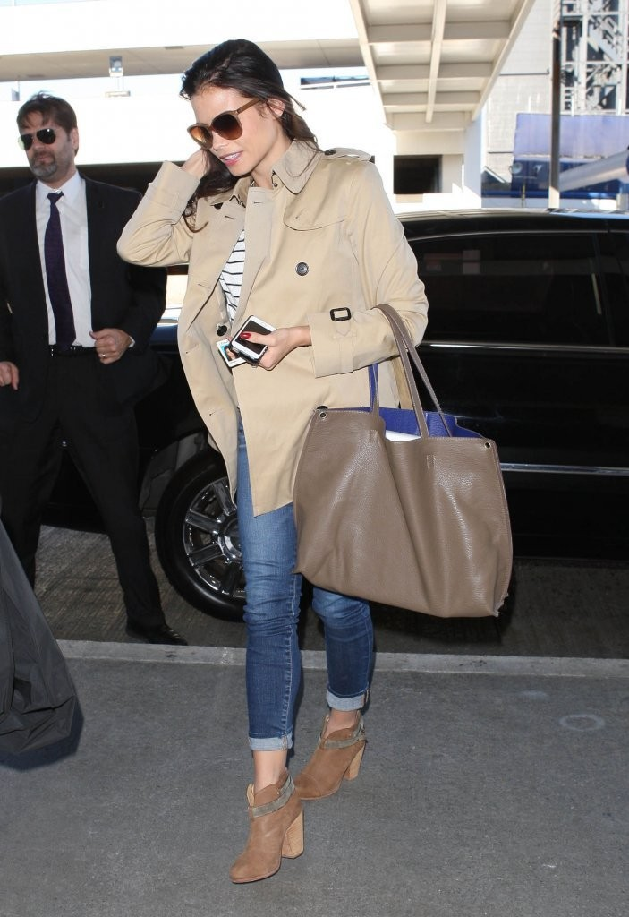 Jenna Dewan-Tatum Arrives at LAX