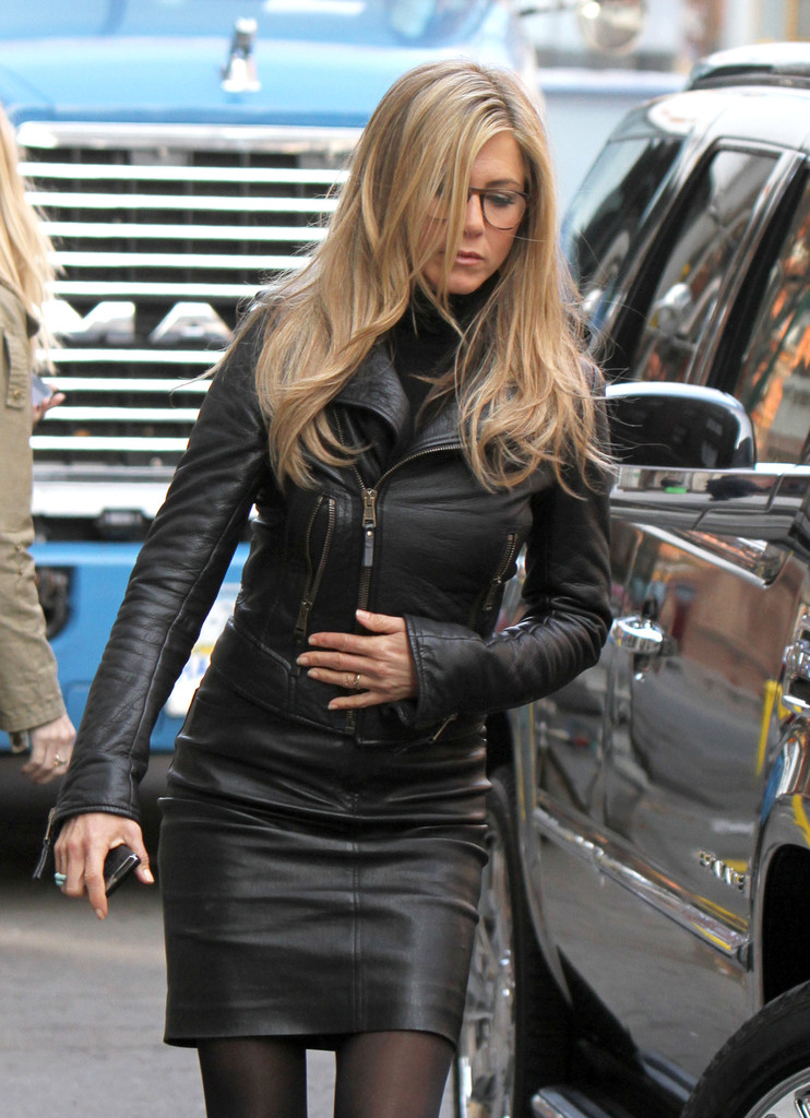 More Pics Of Jennifer Aniston Knee High Boots 6 Of 7