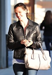 Jennifer was spotted out in Santa Monica donning a leather D bag in grey leather.
