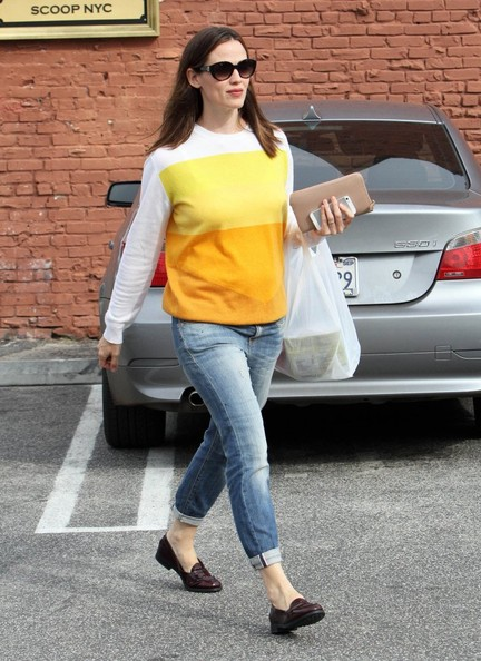 More Pics of Jennifer Garner Crewneck Sweater (1 of 10) - Tops Lookbook - StyleBistro