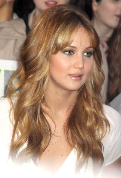Jennifer Lawrence Long Wavy Cut with Bangs