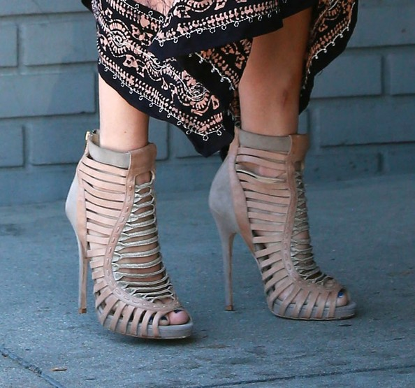 Jennifer Lopez Cutout Boots Jennifer Lopez Shoes Looks