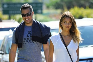 Jessica Alba Cash Warren Jessica Alba & Family At Coldwater Park
